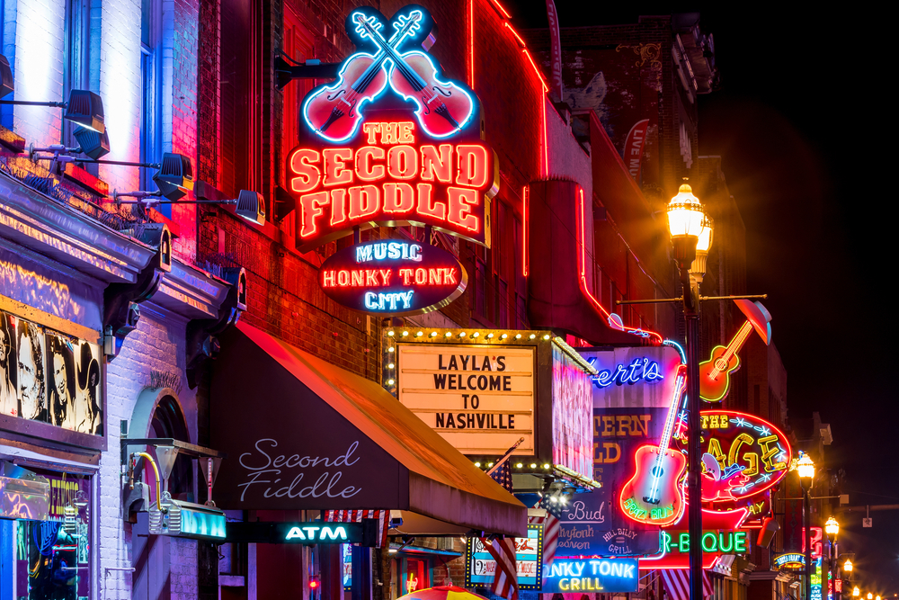 nashville tennessee downtown night life
