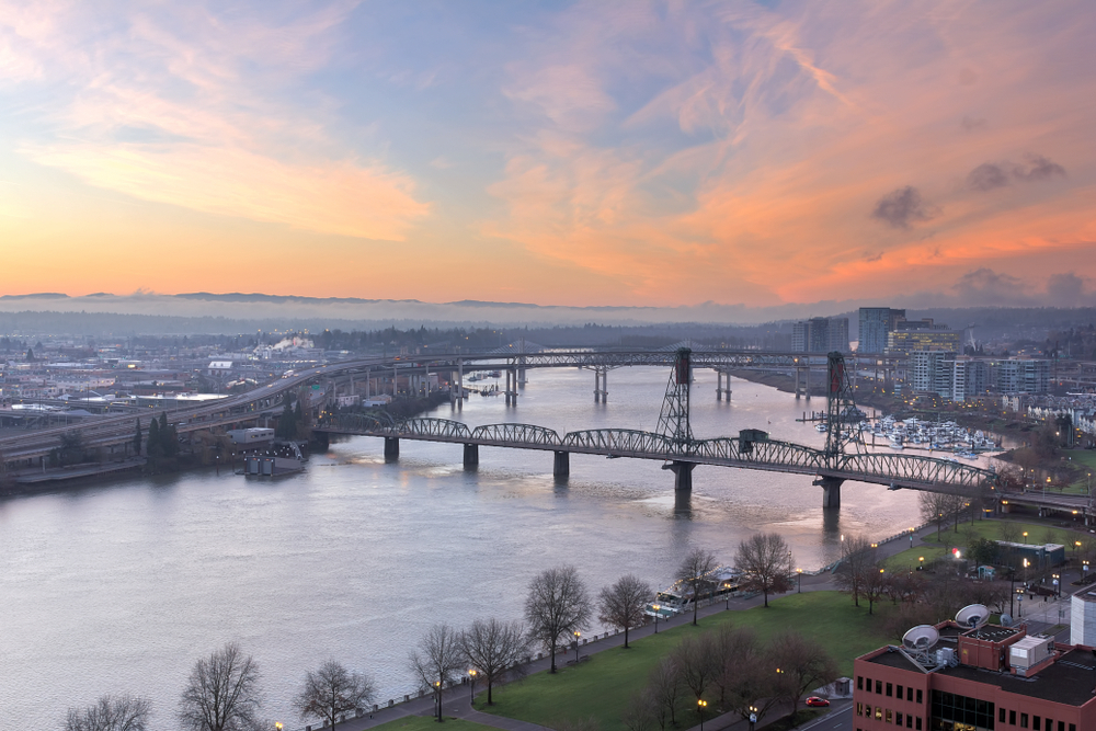 portland oregon morning skyline with bridget and river