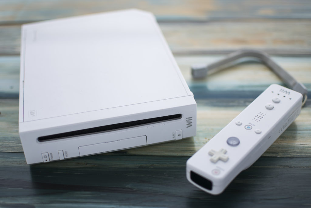 wii gaming console and controler