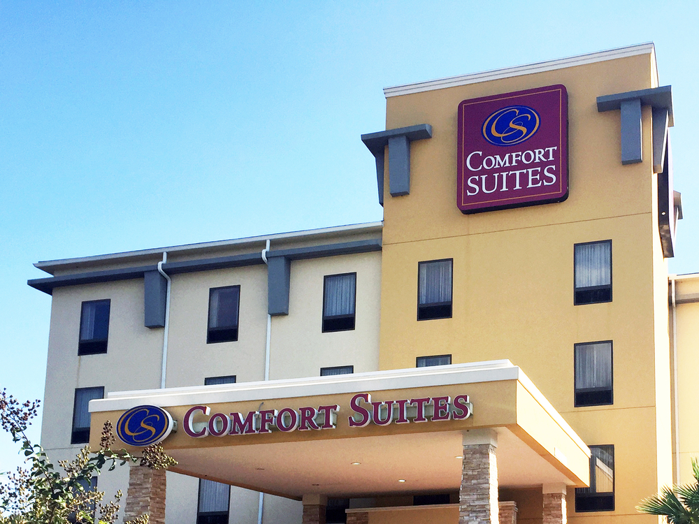 Comfort Suites hotel in Brunswick