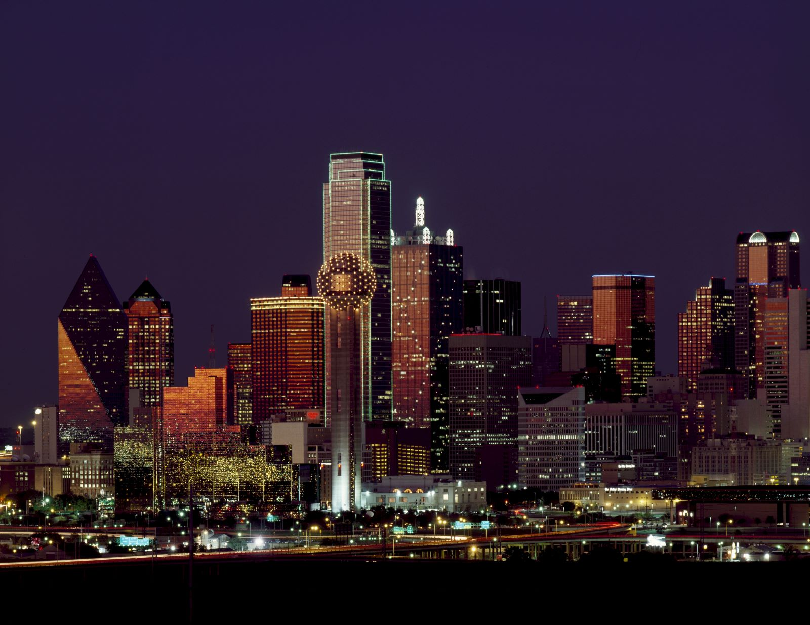 Top 5 Places to Retire in Texas Dallas Skyline at night