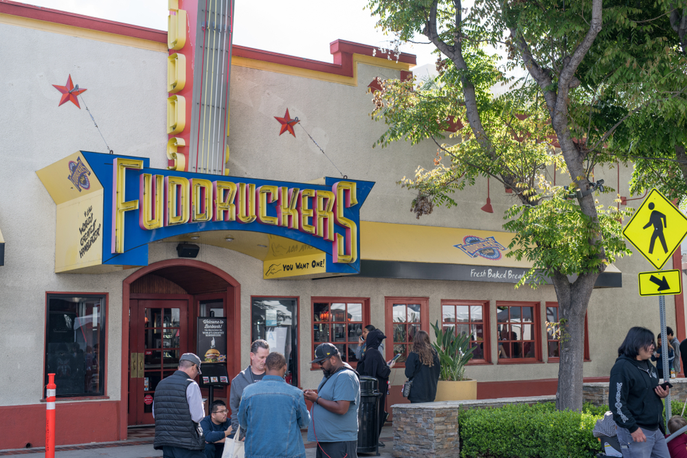 fuddruckers discounts for seniors