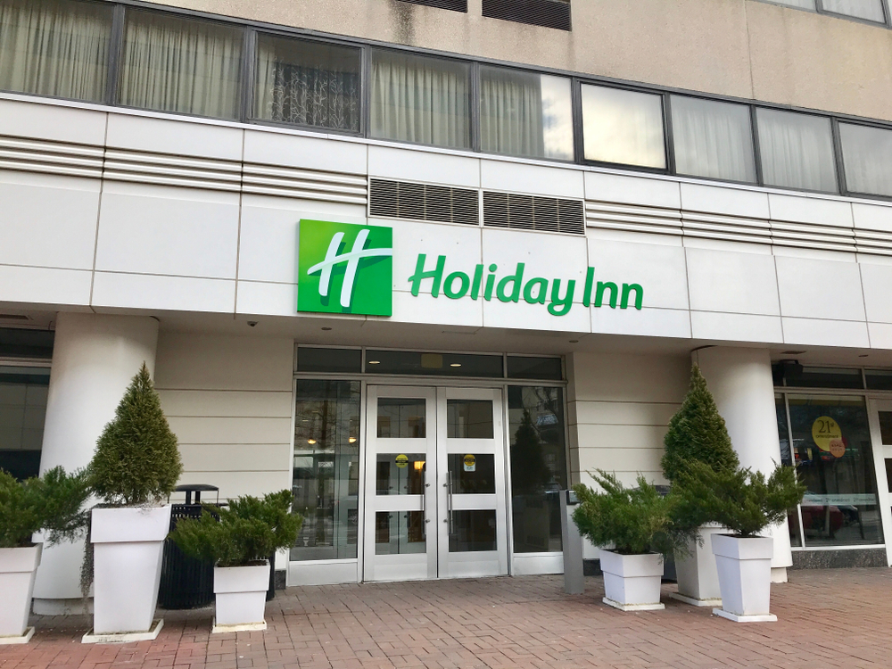 holiday inn hotel entrance sign