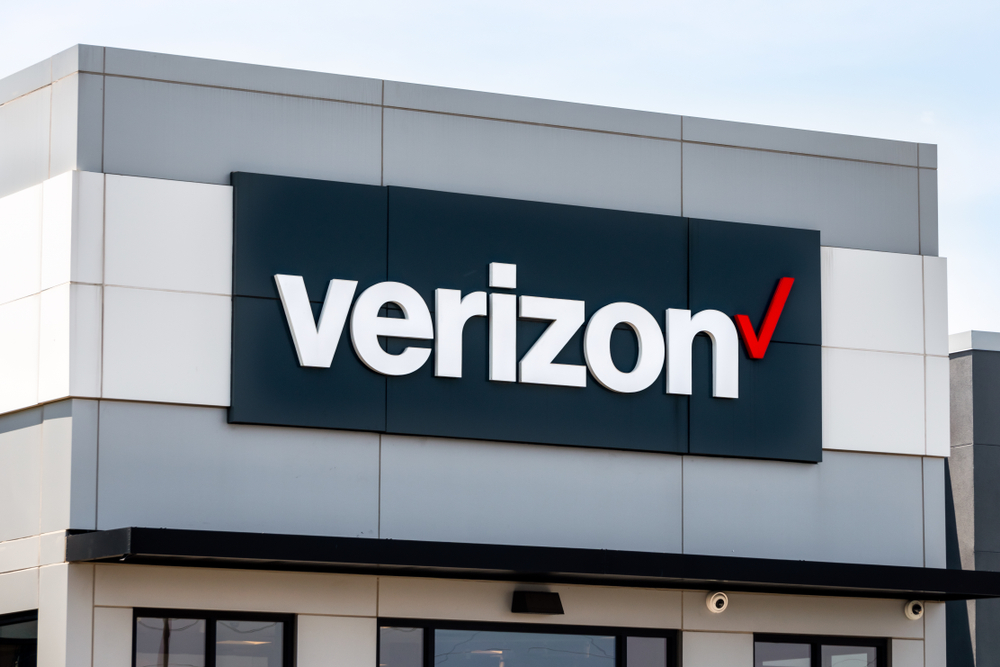A store with the Verizon logo