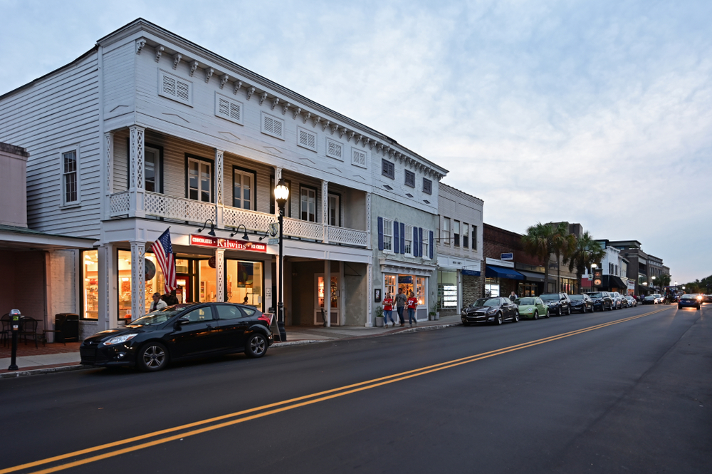 Looking down a street in Beaufort South Carolina