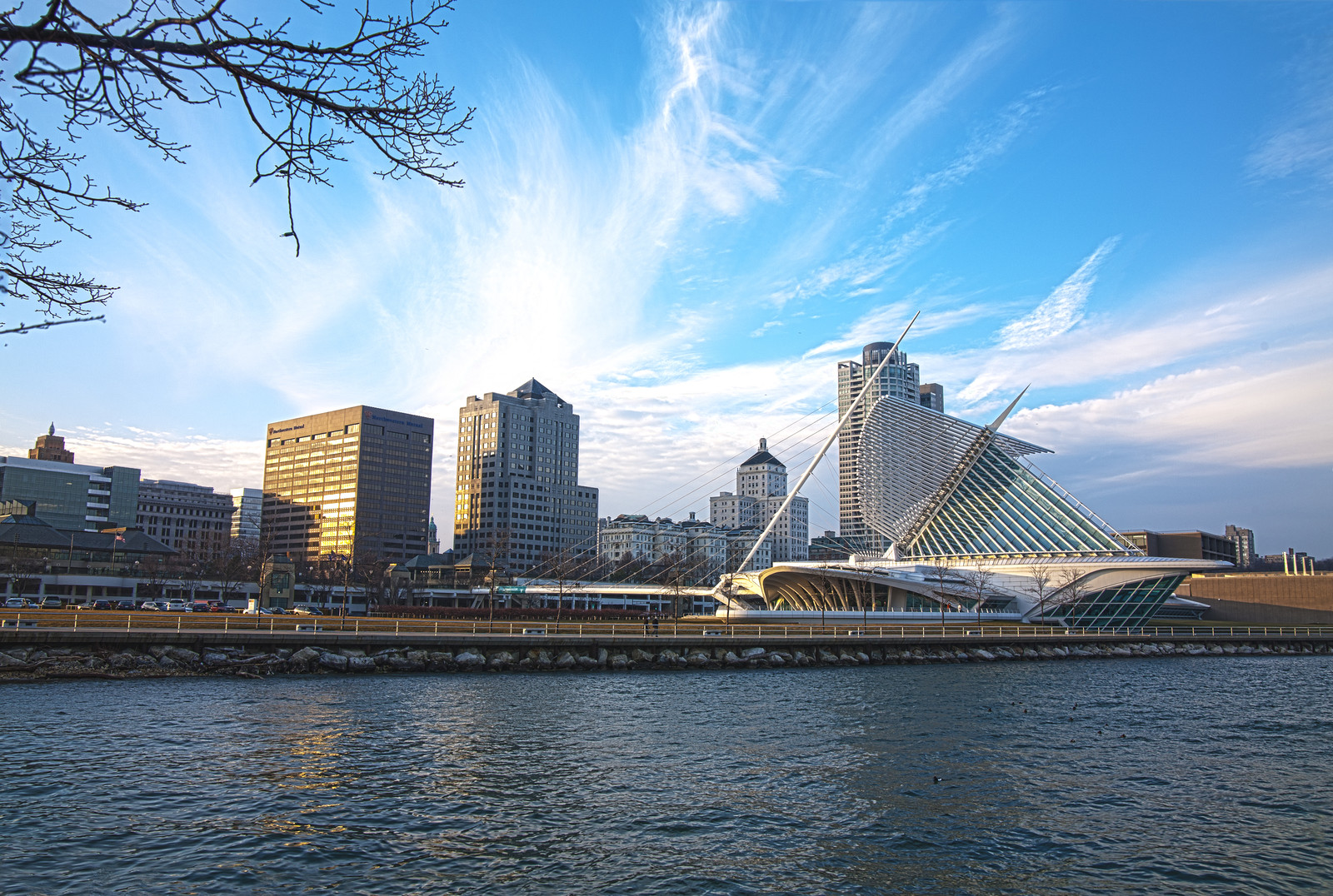 Places to retire in Wisconsin - Lake Milwaukee skyline on Lake Michigan