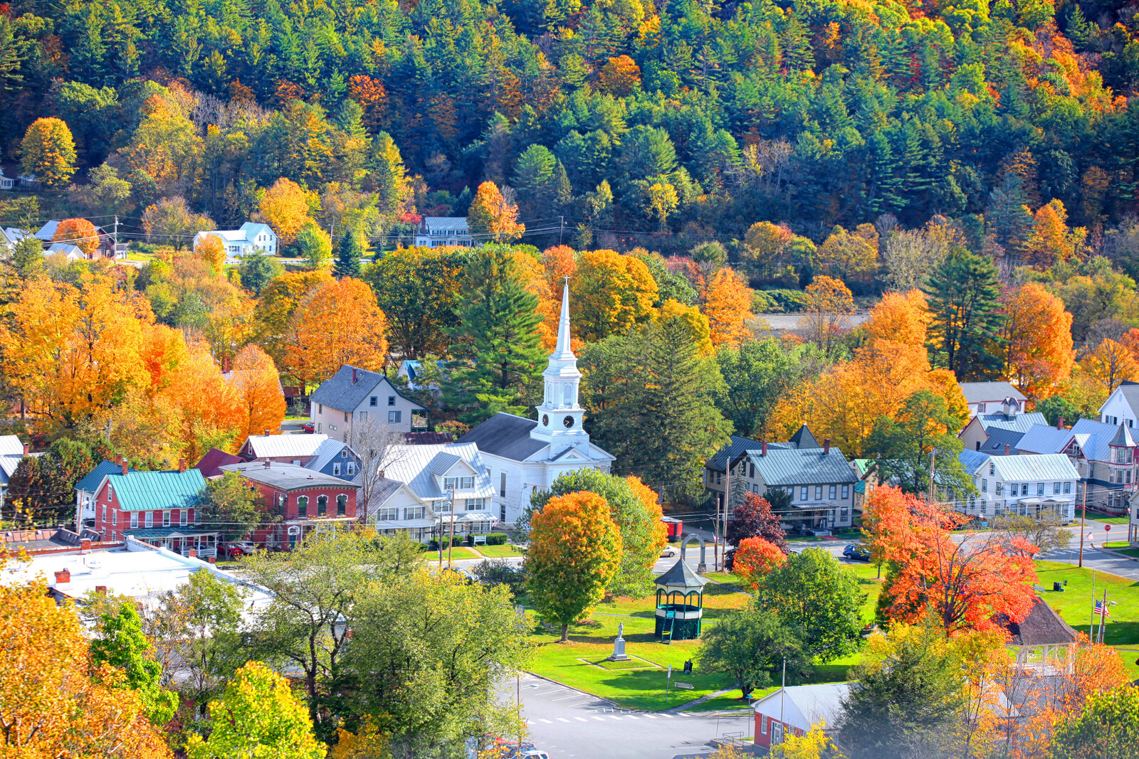 Small new england town in Delaware in fall with autumn colors