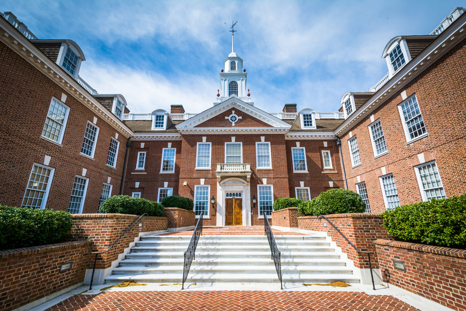 Top 5 Places to Retire in Delaware-Delaware State Capital Building in Dover