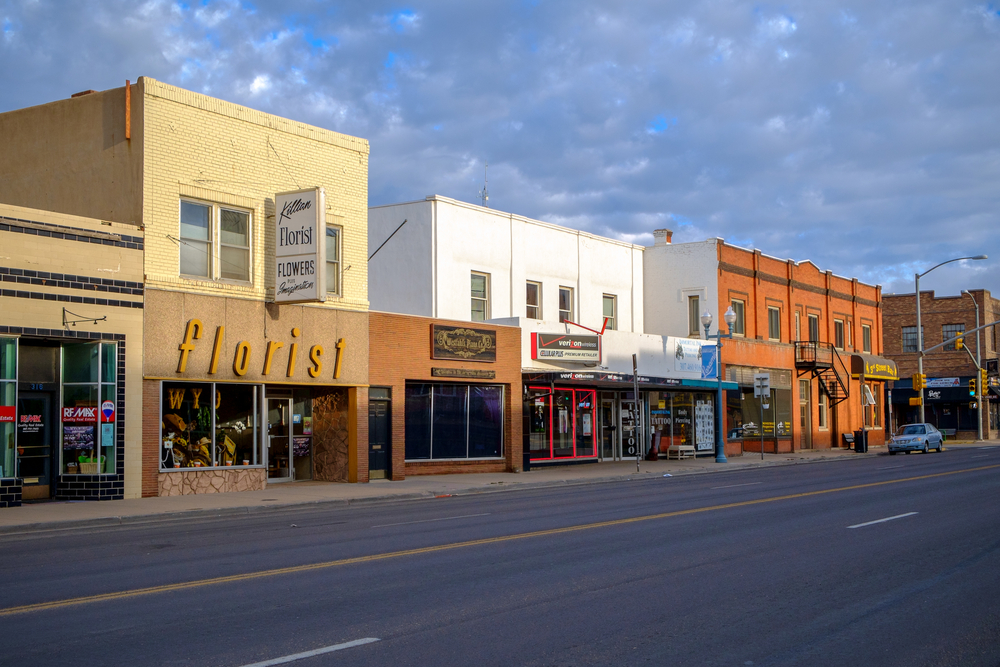 An empty street and buildings in Laramie Wyomig