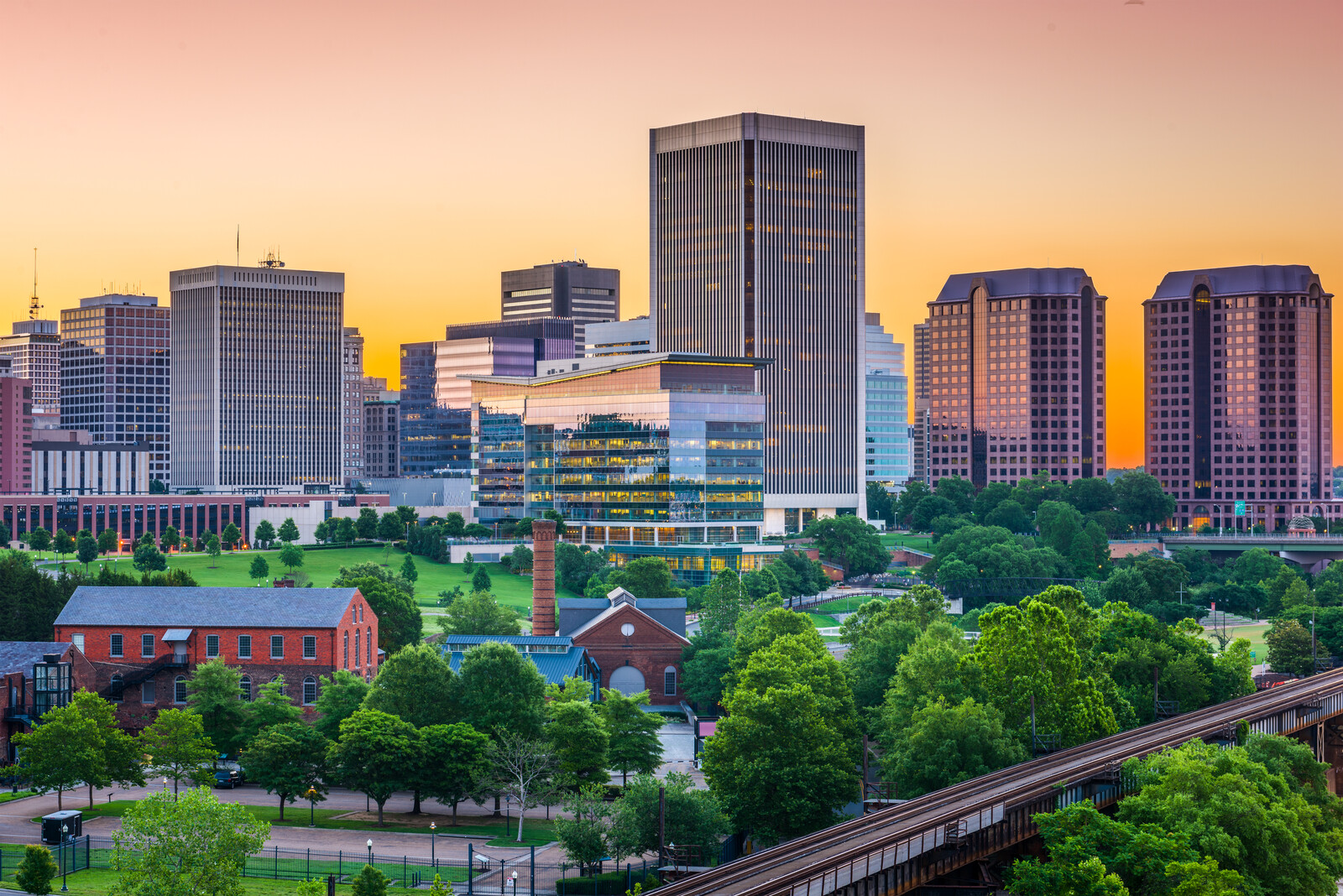 Top 5 Places to Retire in Virginia - skyline of Richmond, Virginia at sunrise