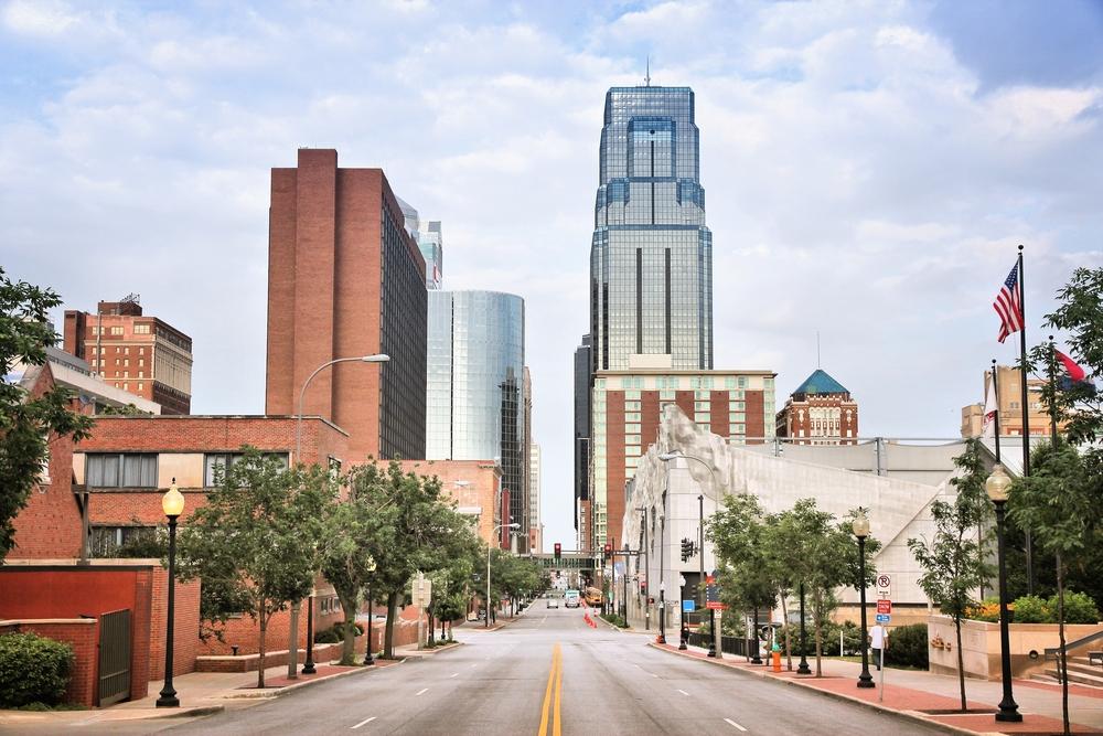 Looking down a city street in Kansas City Missouri